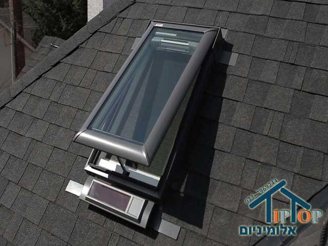 חלונות גג סולריים