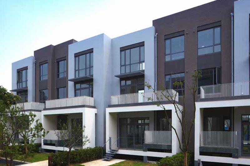 בית מלון עם התקנה חלון בלגי
