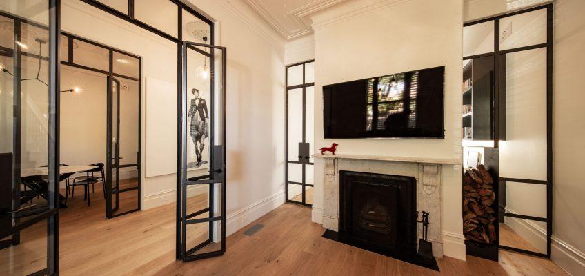 מערכת חלונות בלגיים בגלריה